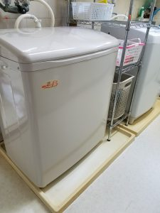 二台の洗濯機。仲良く頑張って!