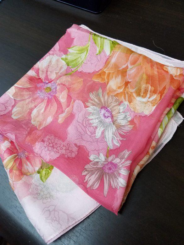 新品みたいにきれいになったスカーフ。