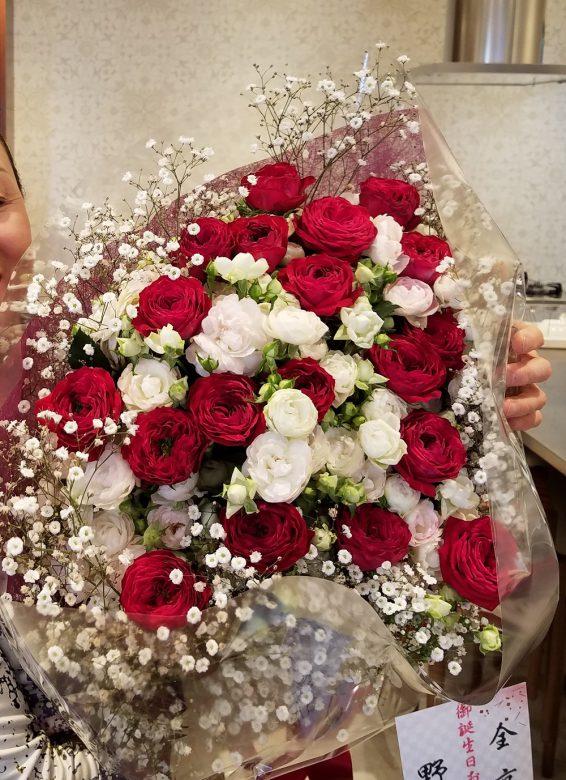 見事なお花!私の好きな真っ赤なバラがたくさん。