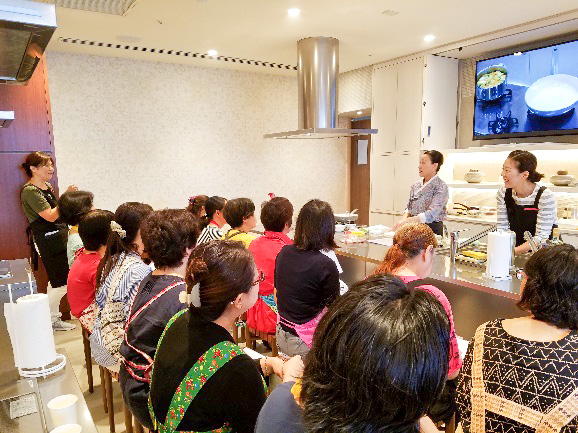 大好物のトントン焼きを紹介するキョンファ先生のテンションはマックでした♪